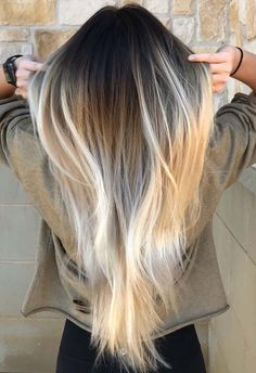 Looking for best ideas of platinum beach blonde hair colors to wear in 2018? Don't search any more, we've collected here amazing styles of platinum blonde hair colors for every woman to sport in 2018. These are hottest hair colors ever to show off in 2018.