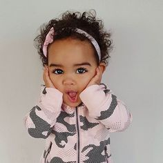 Yeah, look at all these baby animals. Let's bring it up a notch in brain power: this baby human. Cute Black Babies, Beautiful Black Babies, Beautiful Children, Little Babies, Cute Babies, Cute Outfits For Kids, Cute Kids, Baby Girl Fashion, Kids Fashion