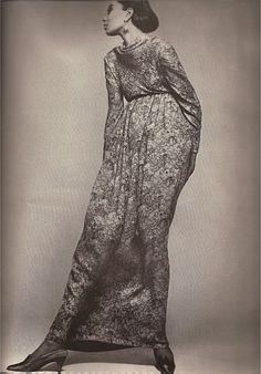 Donyale Luna, Galanos, Richard Avedon, Harper's Bazaar, avril 1965
