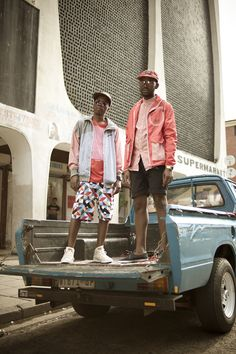 best street style pic ive seen in a long time. gotta get on that. (as in street style photog, not trucks) South African Fashion, We Wear, How To Wear, Black Artists, Strike A Pose, African Art, Fashion Pictures, Gentleman, Hipster