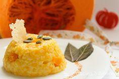 Risotto alla zucca e salvia... cremoso e affumicato! http://www.cucinaearmonia.com/2014/10/risotto-affumicato-alla-zucca-e-salvia.html #food #foodblogger #cucinaearmonia  #zucca #pumpkin