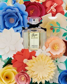 Flora by Gucci | Papercrafted flowers on Behance