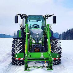 "BEST FARM MACHINERY 🚜🌾🇩🇪 on Instagram: ""BEAST 💚🚜 Rate it!1-10 💨 📷 ? DM for Credits! ————————————————————————#caseih #newholland #johndeere #fendt #agco #challenger #work…"" Case Ih, New Holland, Hemp, Farming, Beast, Instagram, Tractors, Vehicles"