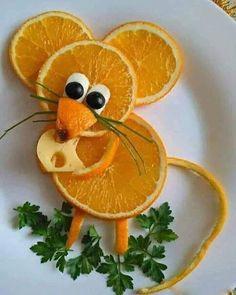 #funny #rat #food #curving #orange #fruit Fruit Decorations, Food Decoration, Food Design, Toddler Meals, Kids Meals, Food Art For Kids, Creative Food Art, Food Carving, Vegetable Carving
