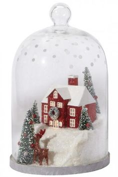 Bring your home a decorative look this season by choosing this beautiful Martha Stewart Living Winter House Lighted Cloche Diorama. Christmas Lanterns, Christmas Jars, Christmas Table Decorations, Decoration Table, Christmas Home, Christmas Holidays, Christmas Crafts, Tree Decorations, Christmas Ideas