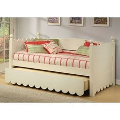 Alligator Scallop Daybed with Pop - Up Trundle