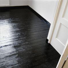 Bedroom progress   Flickr - Photo Sharing! Note: skirting boards are black too