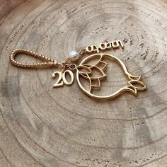 AGAPI 2020 CHARM (2)1000 Christmas Gift For You, Unique Christmas Gifts, Lucky Charm, Jewelry Accessories, Handmade Jewelry, Gold Necklace, Charmed, Bracelets, Jewelry Findings