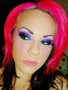 wanted my hair kinda this way but the pink on the bottom but cant do it cause im working right now