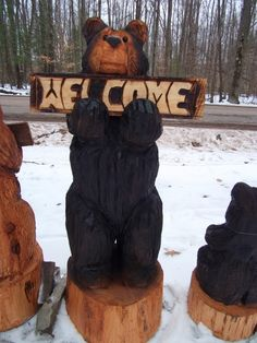 42 Chainsaw Carved Welcome Bear by carvnstitch on Etsy Tree Carving, Carving Wood, Wood Carvings, Bear Signs, Cool Tree Houses, Black Spray Paint, Bear Decor, Wooden Bow, Wood Shed