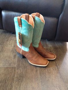 Mama is happy! New riding boots! @Ariat @bootbarn #stinkybootsale #turquoise