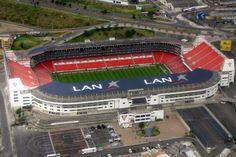 El estadio Casablanca de Quito (Ecuador) es un escenario de fútbol con capacidad para 42000 espectadores. Fue inaugurado en 1997 y acoge los juegos de local de Liga Deportiva Universitaria de Quito.