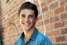 'Famous In Love': Charlie DePew To Co-Star In Bella Thorne Freeform Drama Series