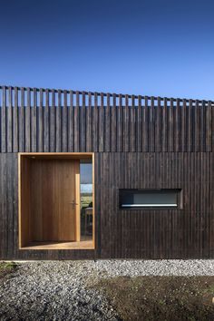 IPT architects clads howe farm residence in charred timber planks House Cladding, Timber Cladding, Wooden Cladding Exterior, Timber Architecture, Residential Architecture, Architecture Definition, Minecraft Architecture, Timber Planks, External Cladding