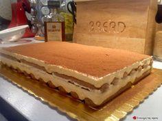Το TIRAMISU της Λουΐζας #sintagespareas Greek Desserts, Party Desserts, Greek Recipes, Dessert Recipes, The Kitchen Food Network, Romanian Food, Sweet Pastries, Pie Cake, Food Network Recipes