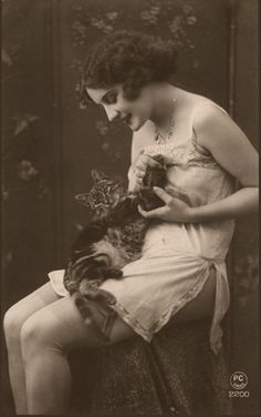 ***** #Girl #Kitten #Cat #Vintage #Photography