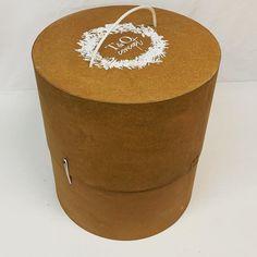 "Da&Mo Packaging on Instagram: ""#nuevo #modelo de caja para #ramos de #novia #exornofloral  disponible en diferentes#tamaños consulta en @daymo_packaging"" Hat Boxes, Box Packaging, Instagram, Home Decor, Templates, Wedding Bouquets, Budget, Boyfriends, Decoration Home"