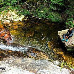 Cachoeira Arco íris e suas piscinas naturais. 🍃  #aventure #aventureiros #adventure #cachoeira #nature #natureza #naturezaperfeita #belezasdobrasil #trekking #trilha #aventura #profissaoaventura #ecoturismo