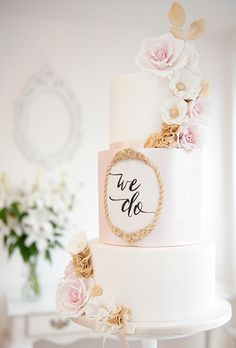 12 On trend cakes for Autumn -Calligraphy themed cake