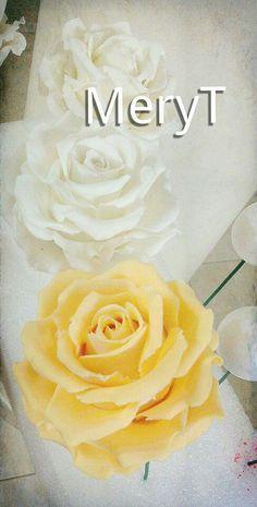 Rose in pasta di mais