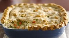 Classic Chicken Pot Pie: Enjoy this classic pot pie that's made using chicken, peas and carrots topped with puff pastry – a tasty dinner recipe. Use our classic pie crust recipe to make this the best homemade chicken pot pie Poulet Weight Watchers, Plats Weight Watchers, Weight Watchers Chicken, Weight Watchers Meals, Homemade Chicken Pot Pie, Chicken Recipes, Cooked Chicken, Recipe Chicken, Chicken Pot Pie Betty Crocker Recipe