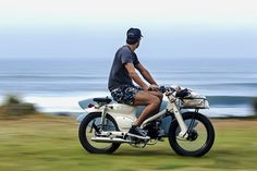 with a flagship workshop in canggu, bali, the deus sea sider combines the brand's passion for spectacular bikes and the location's reputation for surfing.