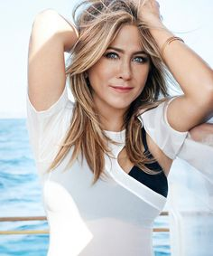 Celeb Jennifer Aniston opens up w/ Marie Claire about the public picking apart her love life (and she looks fab doing it) Jennifer Aniston Style, Jennifer Aniston Pictures, Justin Theroux, Jennifer Anisten, Blond, Nancy Dow, John Aniston, Rachel Green, Jennifer Connelly
