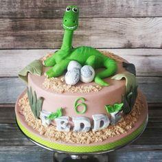 Dinosaurus taart voor Fedde ' s 6e verjaardag.