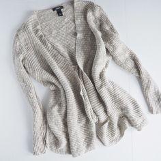 HP✨Alfani cardigan Beige alfani cardigan, excellent condition. Alfani Sweaters Cardigans