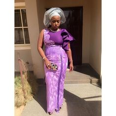 An AsoEbiBella is a wedding guest looking stunning in aso-ebi – the fabric/colors of the day, at a traditional engagement or wedding. African Wear, African Attire, African Women, African Lace Dresses, African Fashion Dresses, Latest Aso Ebi Styles, African Wedding Attire, Nigerian Men Fashion, Beautiful Long Dresses