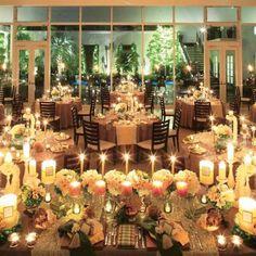 結婚式場写真「キャンドルが灯ったナイトウェディングも人気。上質な空間でゲストとの素敵な時間をお過ごしいただけます