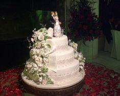 Detalhe da imagem de —Bolo De Casamento De Famosos - Vestidos e Buffet