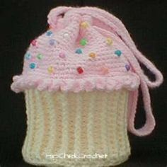 Free Crochet Cupcake Purse Pattern. Perfect for young girls...                                                                                                                                                                                 More