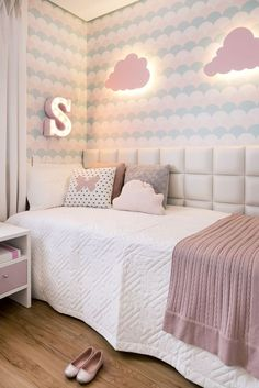 Girls Bedroom, Bedroom Decor, Small Apartment Interior, Small Apartments, My Room, Bed Pillows, Decoration, New Homes, Interior Design