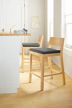 Kitchen Counter Stool Ideas for Your Home Decor | www.barstoolsfurniture.com | #barstools #counterstools #barchairs #midcenturyfurniture #kitchendecor