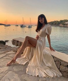 femme fatale February 04 2020 at fashion-inspo Classy Aesthetic, Aesthetic Clothes, Aesthetic Girl, Flower Aesthetic, Travel Aesthetic, Most Beautiful Dresses, Pretty Dresses, Elegant Dresses, Beautiful Things