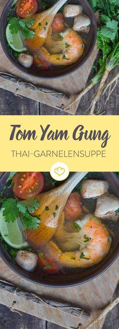 Pures Urlaubsfeeling: Das thailändische Süppchen mit zarten Garnelen schmeckt feurig, würzig, lecker und lässt sich ganze einfach nachmachen.