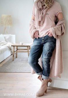 Source by Women Fashion boho Mode Outfits, Winter Outfits, Casual Outfits, Fashion Outfits, Fashion Mode, Look Fashion, Winter Fashion, Older Women Fashion, Womens Fashion