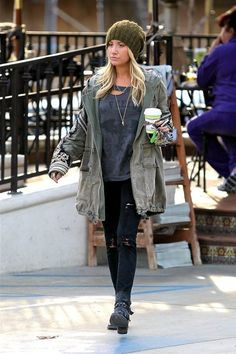 "Ashley Tisdale <3 I'm not sure why I'm so into this worn down ""derelict mugatu"" look lately"