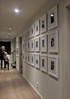Indirekte Beleuchtung Der Küche Durch Loxone. Fotowand Mit Familienfotos  Gestalten Galerie Weiß Design