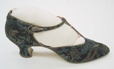 Evening shoes, French (Italian?), Pietro Yantorny (?). Made with silk and leather; ca. 1920-25