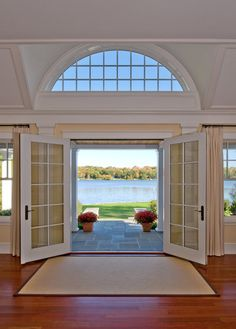 Who wouldn't love opening their front door to that!
