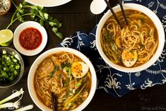 This Easy Chicken Ramen can be made at home in about 30 minutes! A flavorful broth with chicken and noodles, and don& forget the ramen egg! Noodle Recipes, Soup Recipes, Cooking Recipes, Dinner Recipes, Gourmet Cooking, Curry Recipes, Dinner Ideas, Ramen Soup, Salads
