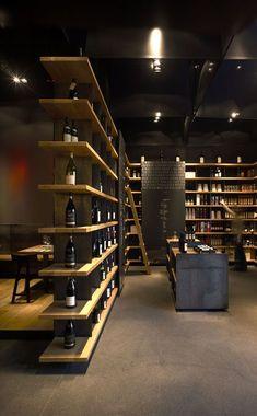 Sale's Area Of Wine Bar and Restaurant Wine Shop Interior, Bar Interior, Retail Interior, Interior Design, Decoration Restaurant, Deco Restaurant, Restaurant Design, Restaurant Shelving, Retail Shelving