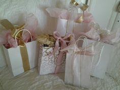 Petits cadeaux pour un Noël rose chez Eugénie