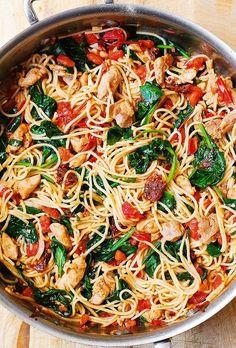 Chicken Spaghetti Recipes, Chicken Recipes, Chicken Spagetti, Chicken Spaghetti Casserole, Recipe Chicken, Shrimp Recipes, Huhn Spaghetti, Spaghetti Spinach, Spaghetti Squash
