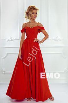 924c54649d Czerwona sukienka z odkrytymi ramionami
