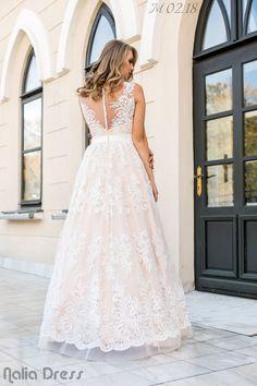 #naliadress #wedding #weddingdress #bride #bridal #fashion #roman #neamt Lace Wedding, Wedding Dresses, Bridal Fashion, Roman, Bride, Bridal Gowns, Boyfriends, Bride Dresses, Wedding Bride