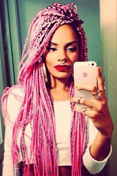 Box braids in pink , down to my butt ... I can hardly wait Maga Moura linda
