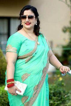 Beautiful Women Over 40, Beautiful Women Pictures, Arabian Beauty Women, Voluptuous Women, Indian Beauty Saree, Indian Sarees, Most Beautiful Indian Actress, Beauty Full Girl, Bikini